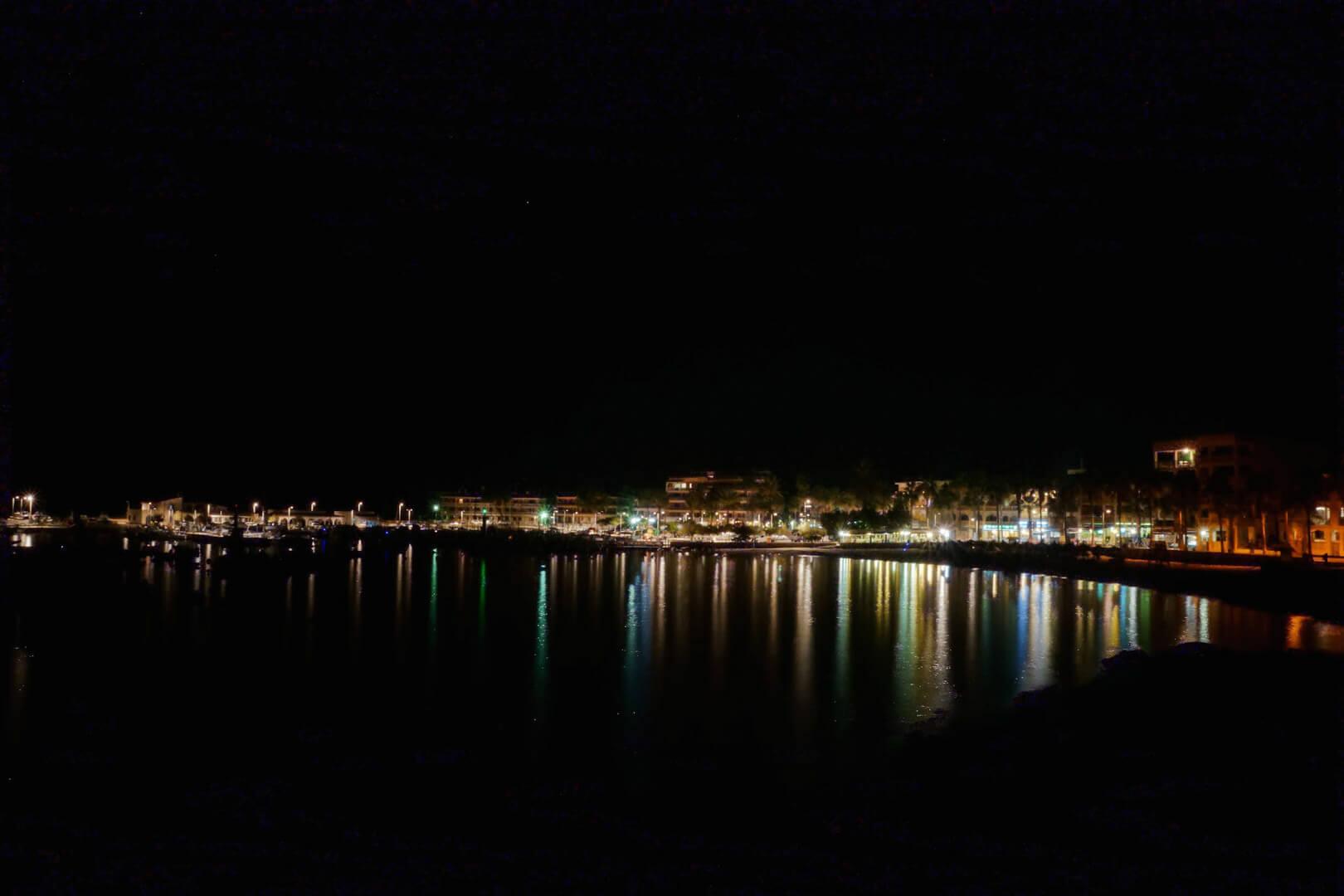 Colonia Sant Jordi bei Nacht