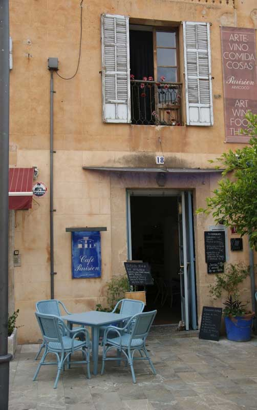 Cafe Parisienne in Arta