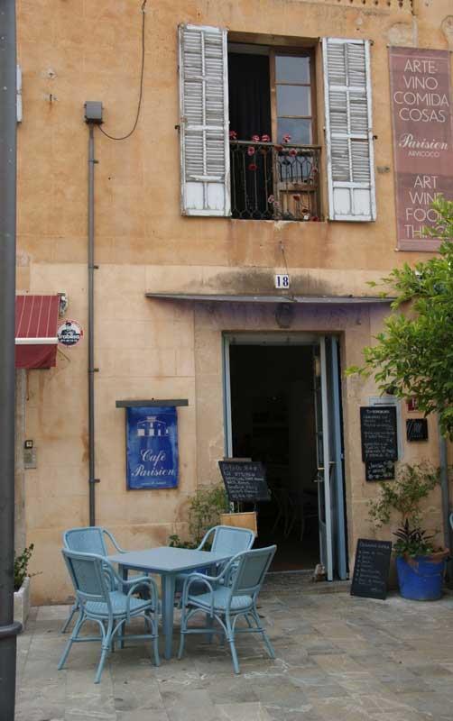 Cafe Parisienne in Arta