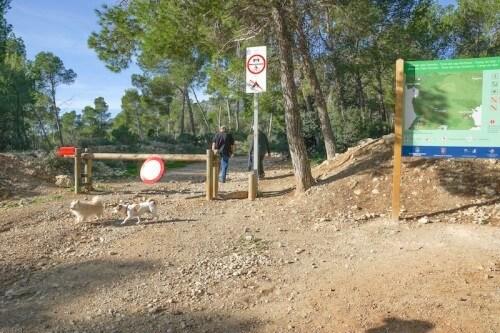 Parkplatz Cala Fornells