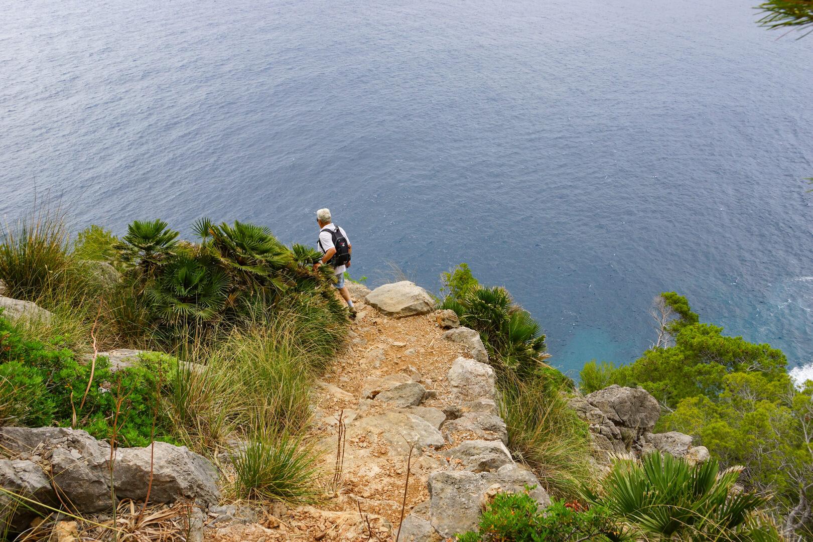 Wanderweg zur Tropfsteinhöhle