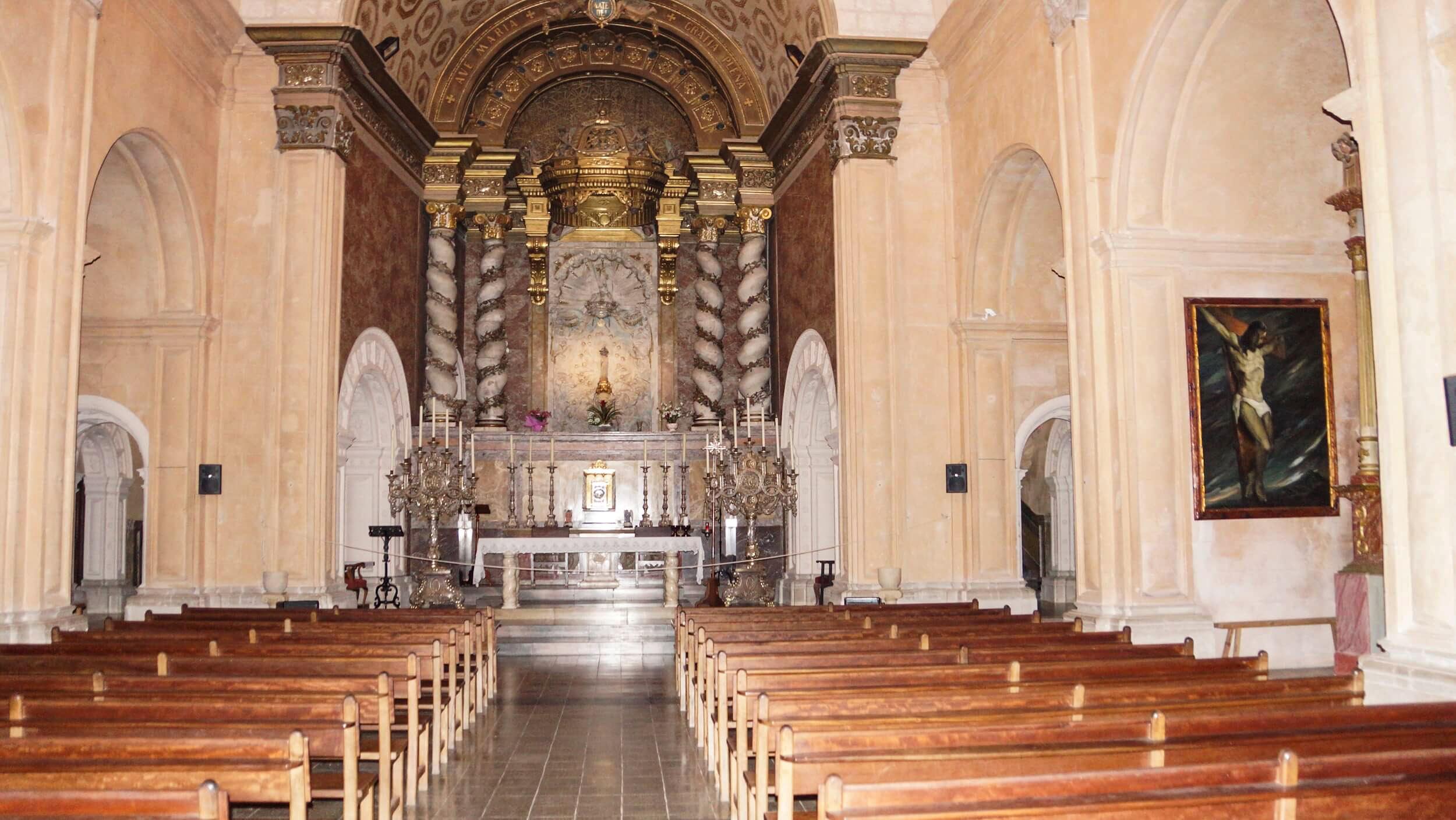 altar in der apsis san salvador mallorca