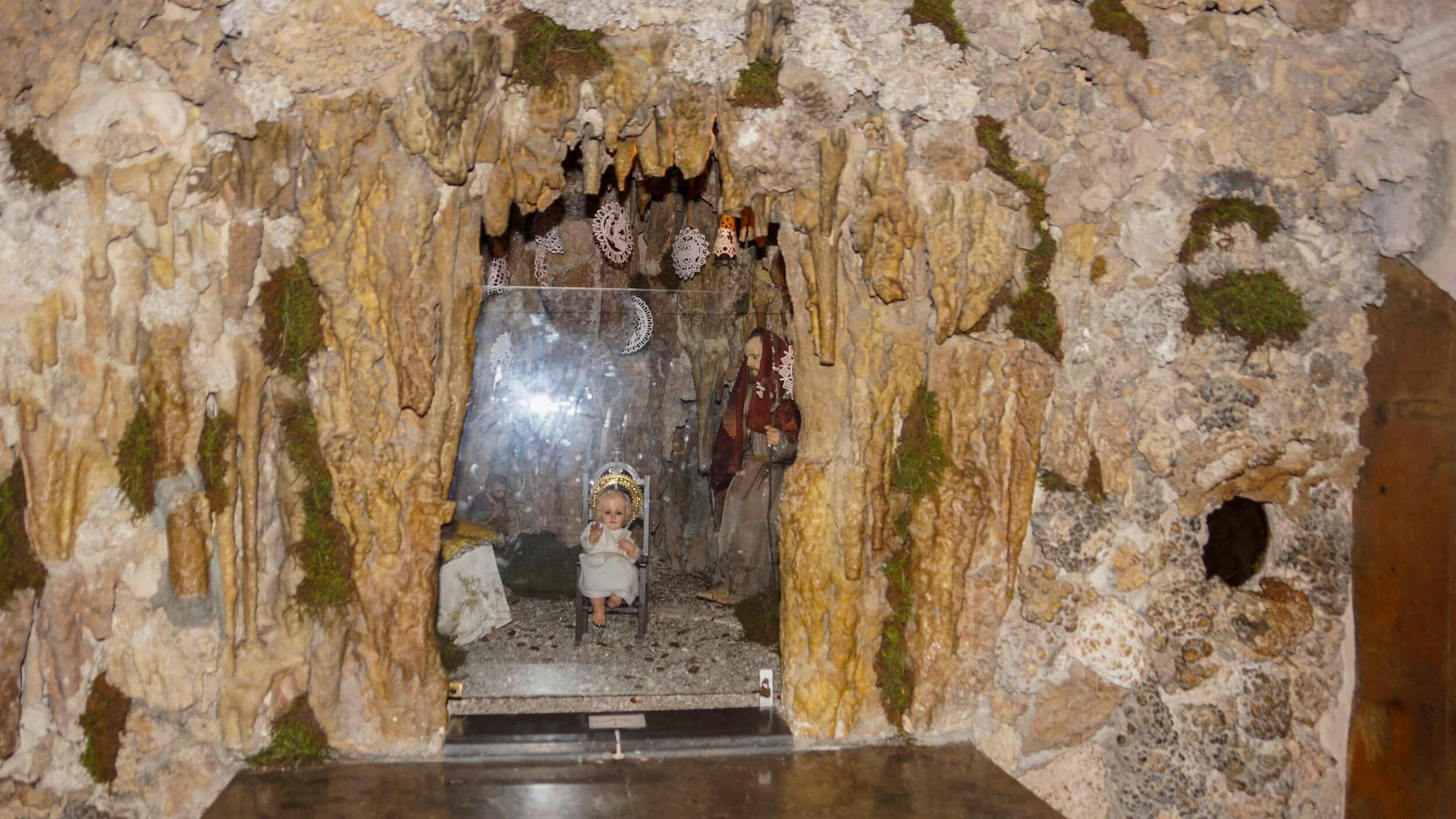 höhlen darstellung krippe