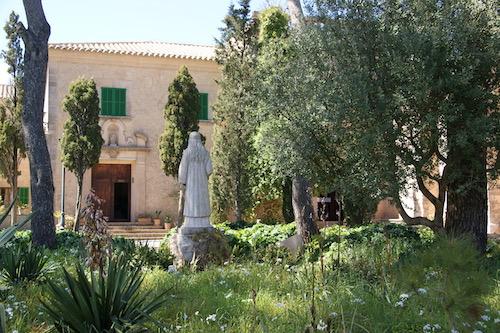 Statue Ramon Llull