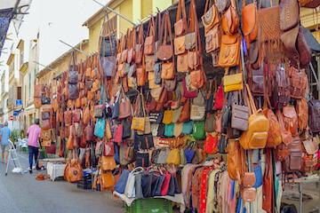 Breites Angebot an Lederwaren